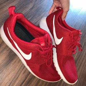 Nike Red Rouche Run Tennis Shoes